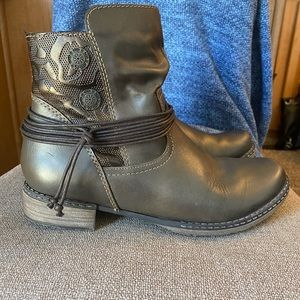 Remonte by Rieker Side Zip Boots